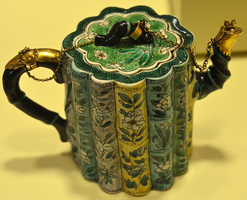 Porcelain Teapot c. 1700