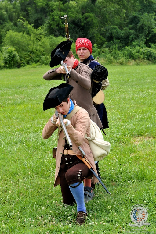 Uniforms of the american revolution for Built for war shirt