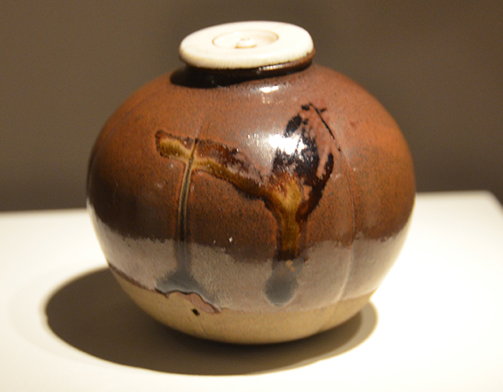 Japanese tea leaf jar from the late 1600s.