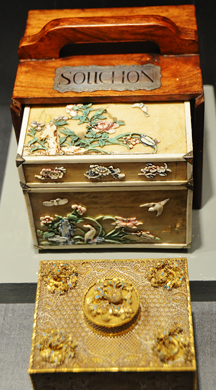 Tea caddy early 1800s, Guangzhou, China.