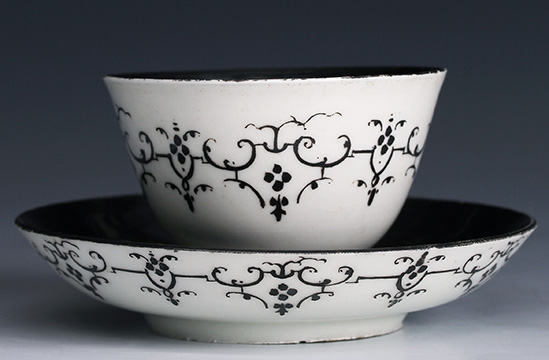 Meissen tea bowl and saucer modeled after a Chinese design, 1716