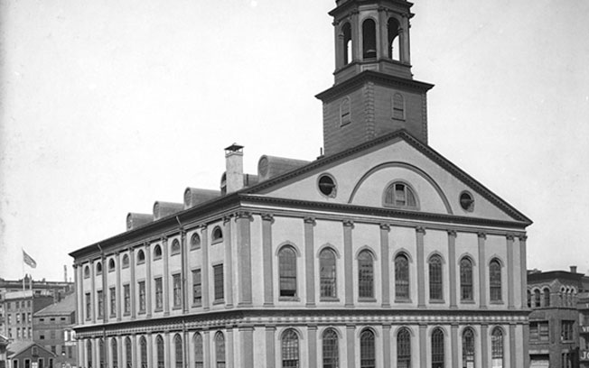 Black and white image of Faneuil Hall in 1775