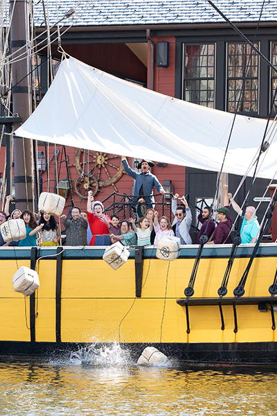 tea throwing at the boston tea party ships and museum